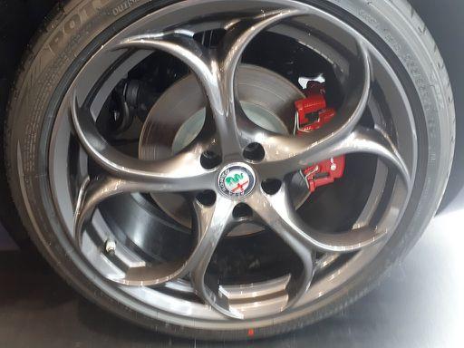 Giulia  Veloce 2,0 280 ATX AWD, Veloce, 280 PS, 4 Türen, Automatik-103497
