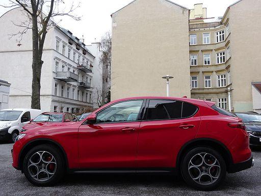 Stelvio  Super 2,0 ATX AWD, Super, 280 PS, 5 Türen, Automatik
