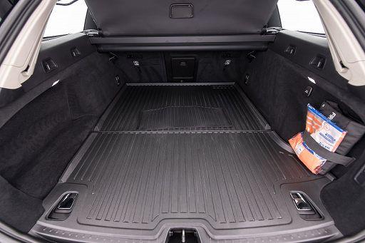 V90  D3 Kinetic, 150 PS, 5 Türen, Schaltgetriebe