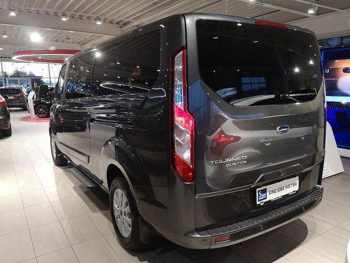 Tourneo Custom  2,0 TDCi 320 L2 Shuttlebus Titanium Aut., Shuttlebus Titanium, 170 PS, 4 Türen, Automatik