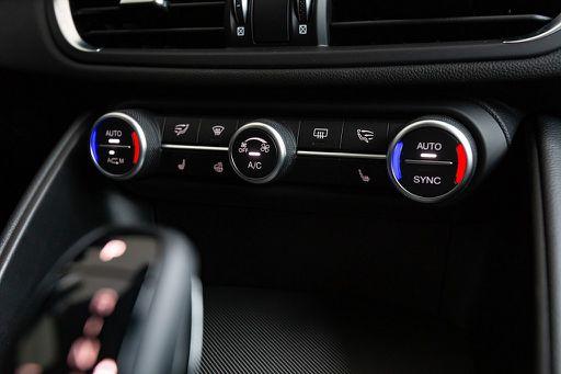 Giulia  Veloce 2,0 280 ATX AWD, Veloce, 280 PS, 4 Türen, Automatik
