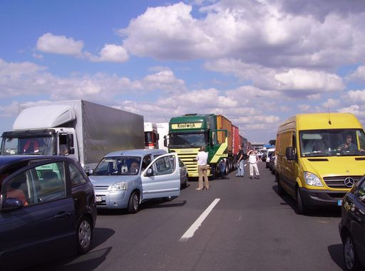 Traffic_jam_near_Aachen