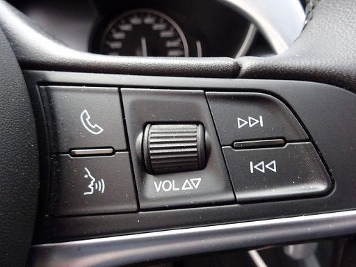Stelvio  Super 2,0 ATX AWD, Super, 280 PS, 5 Türen, Automatik-128200
