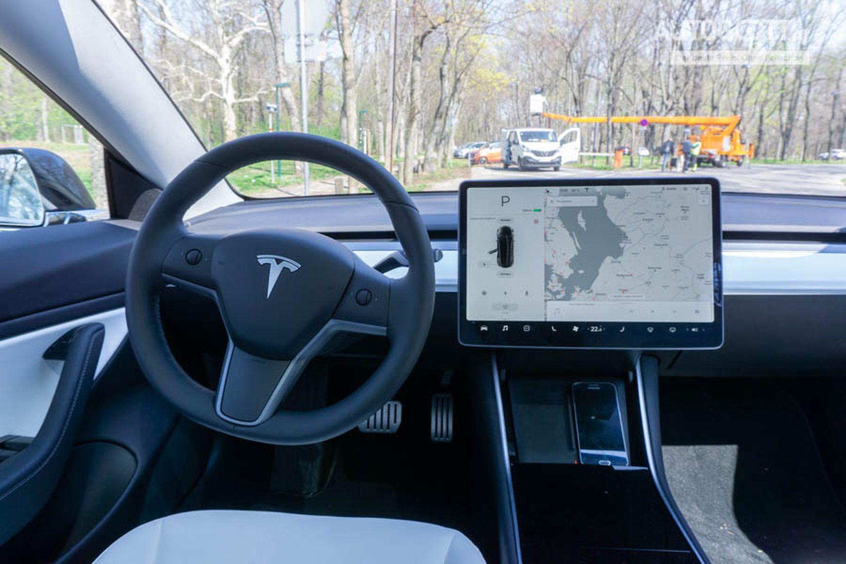 Tesla Model 3 Innen